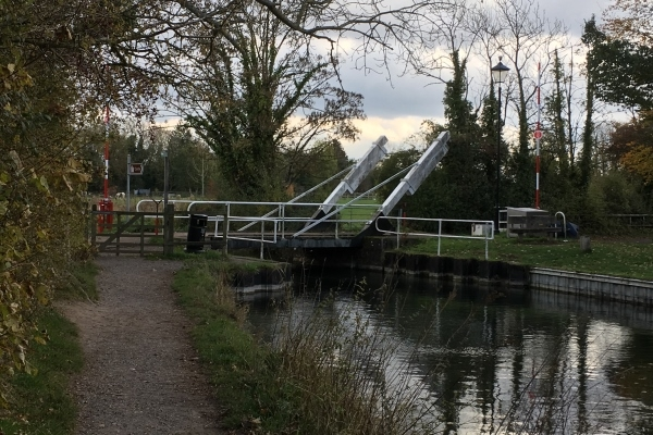 The North Warnborough Lift Bridge on the Basingstoke Canal