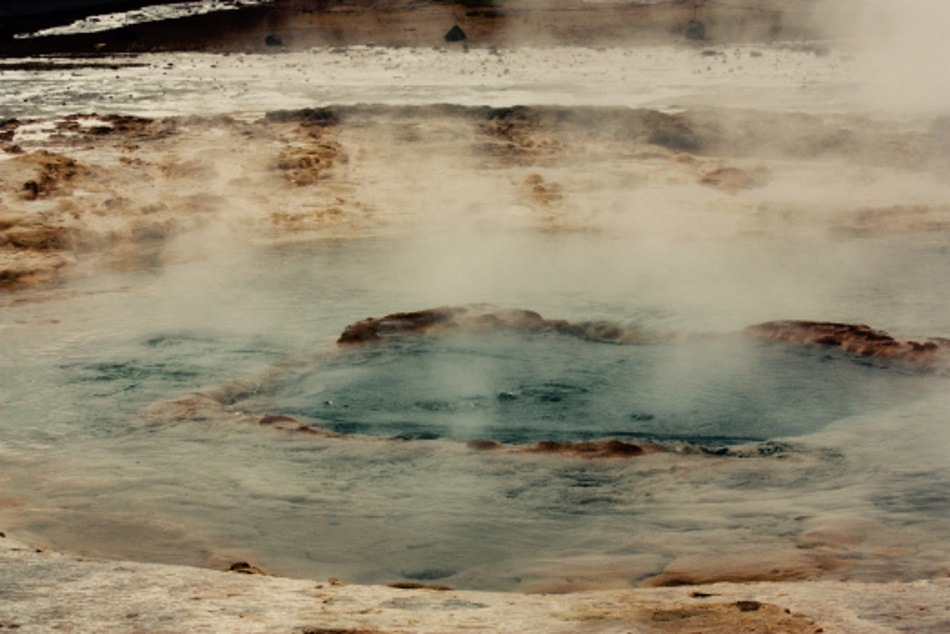 The picture shows a hot spring in Iceland, which is a natural environment with extremely high CRISPR activities. (Image credit: Ellinor Alseth)