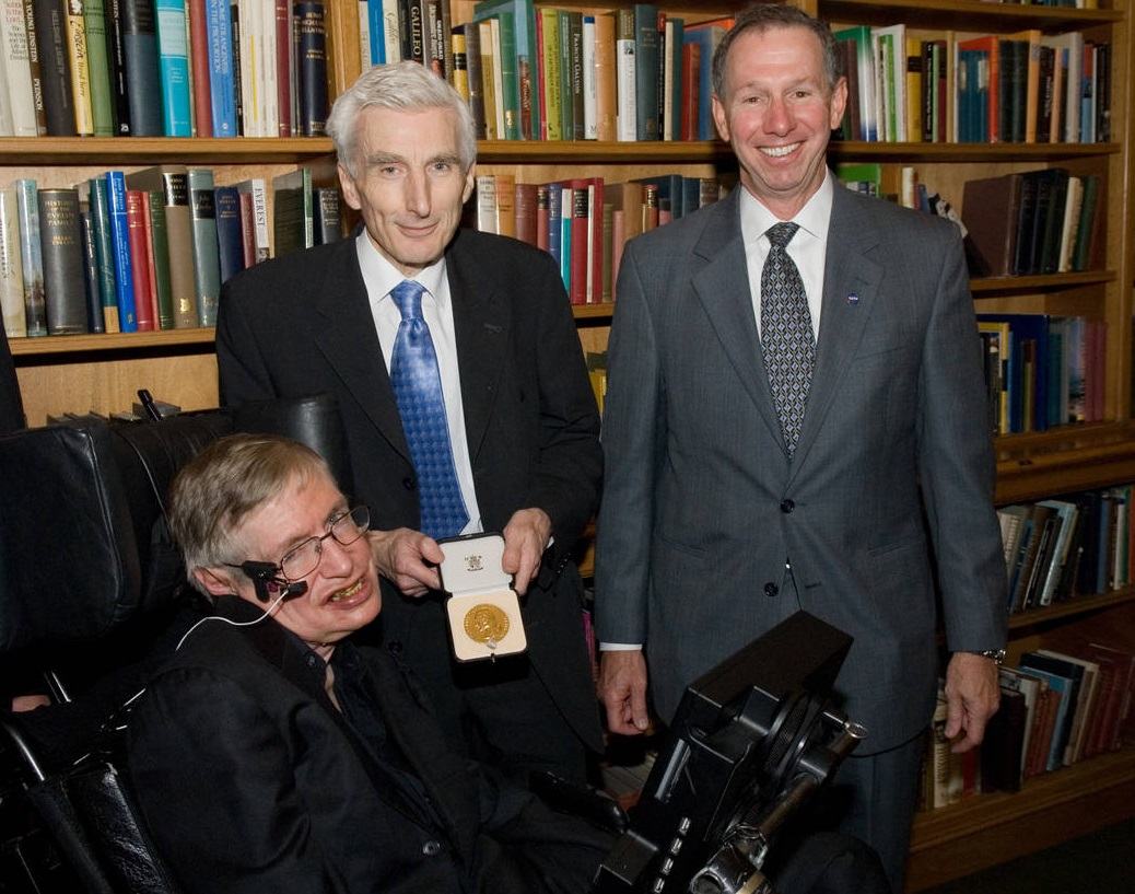 Professor Stephen Hawking, then President of the Royal Society Martin Rees and NASA Administrator Micheal Griffin